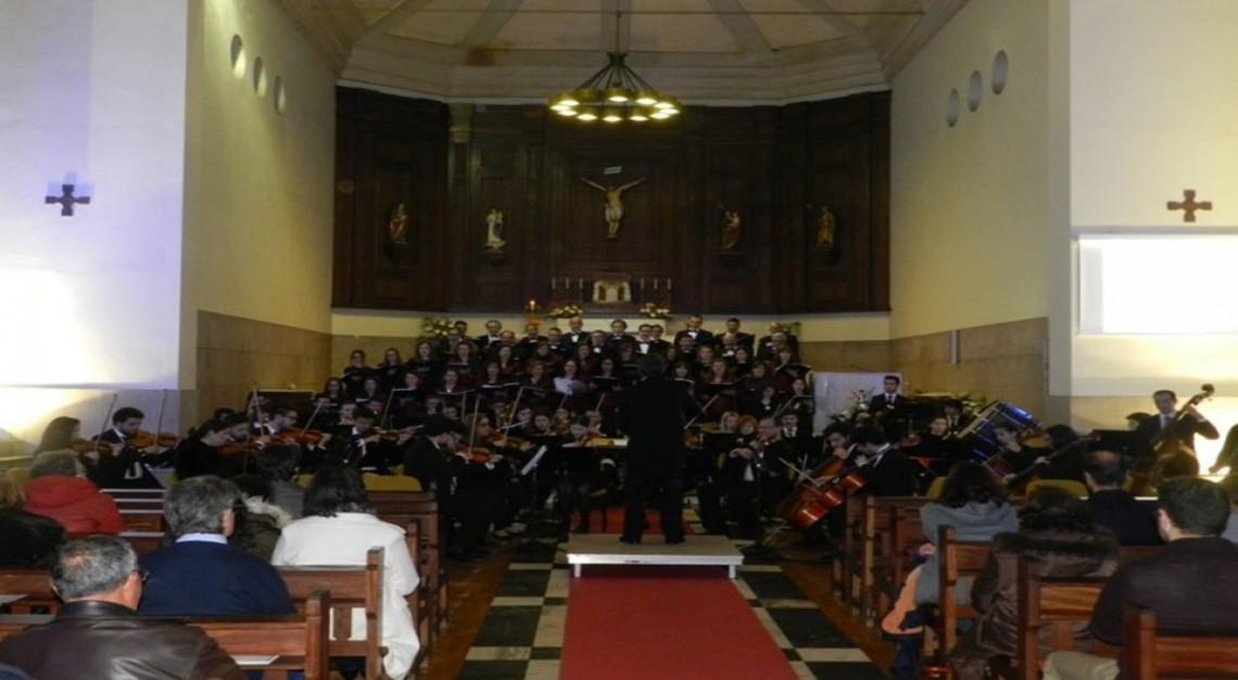 Casa cheia para o concerto de Páscoa na Igreja Nova