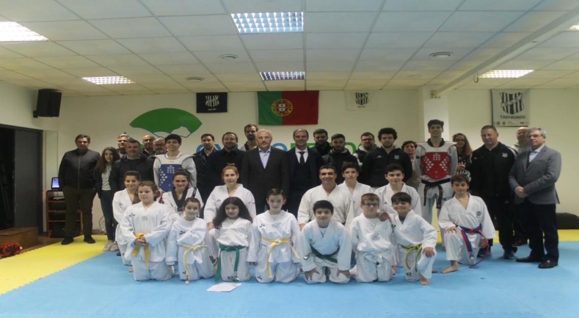Taekwondo do GD Prado homenageou Tiago Alves antes da partida para o Campeonato do Mundo de Juniores!