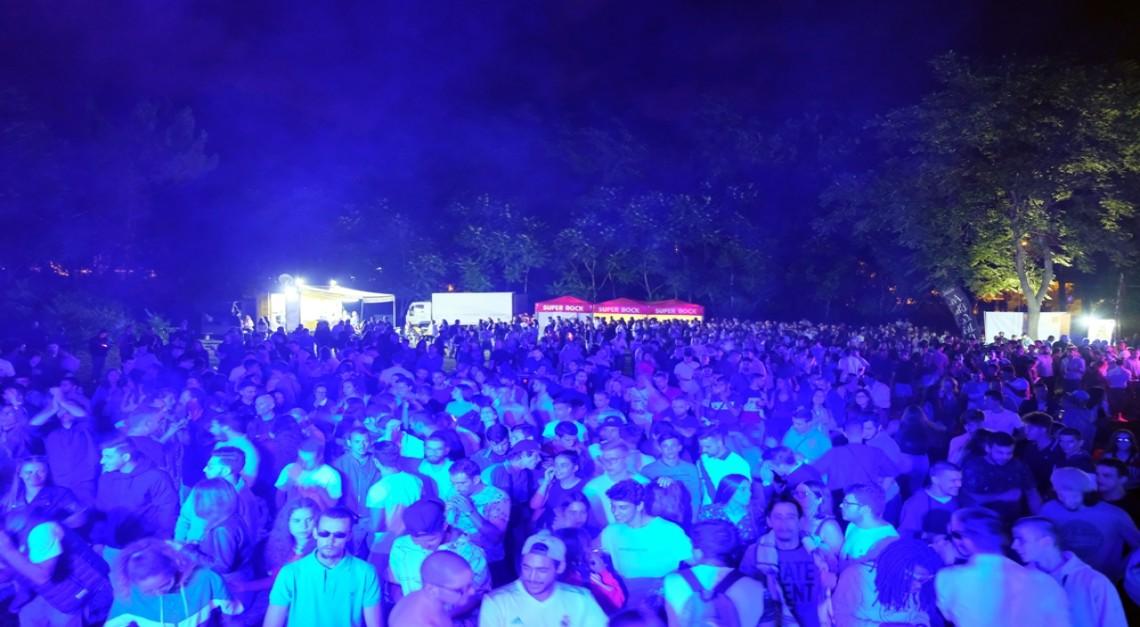 Cávado Summer Fest. A 1ª edição arrancou com enchente para ver Frank Maurel a aquecer a noite de Prado
