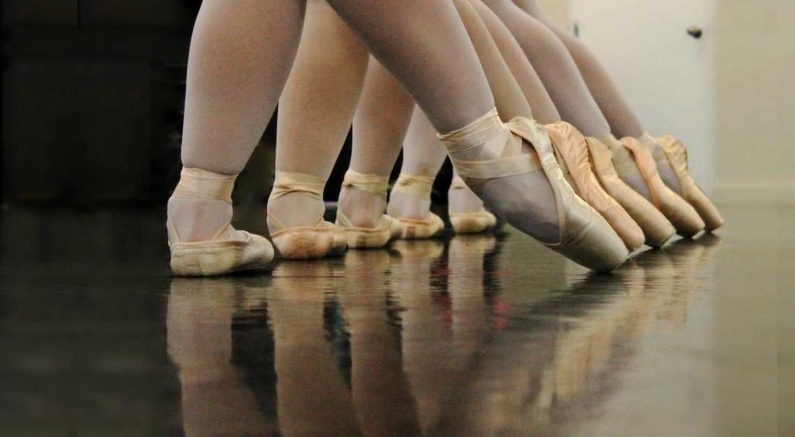 Curso Ballet estreia-se na Escola de Música  da Vila de Prado