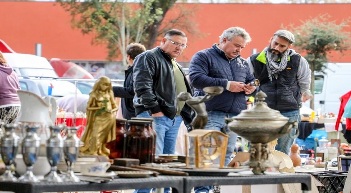 16 de março. Ao terceiro sábado de cada mês há Feira de Antiguidades, Velharias e Usados na Vila de Prado!