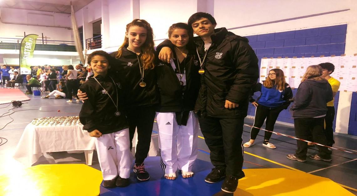 Taekwondo. GD prado conquistou quatro medalhas no Open Internacional de Sintra!