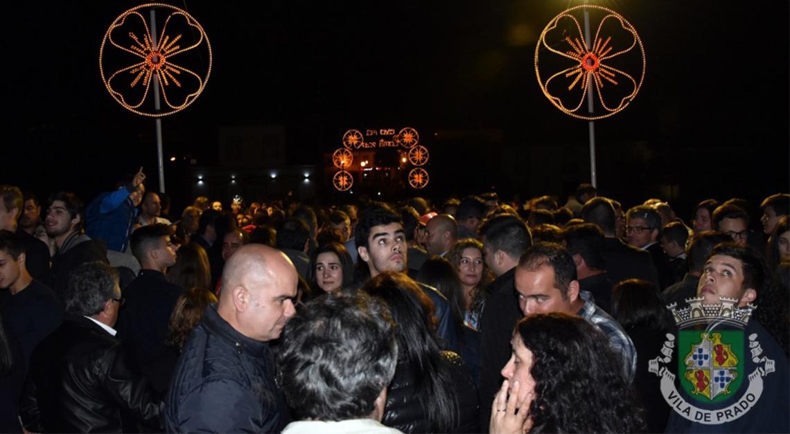 Milhares cumpriram a tradição pascal do Ovo na Ponte