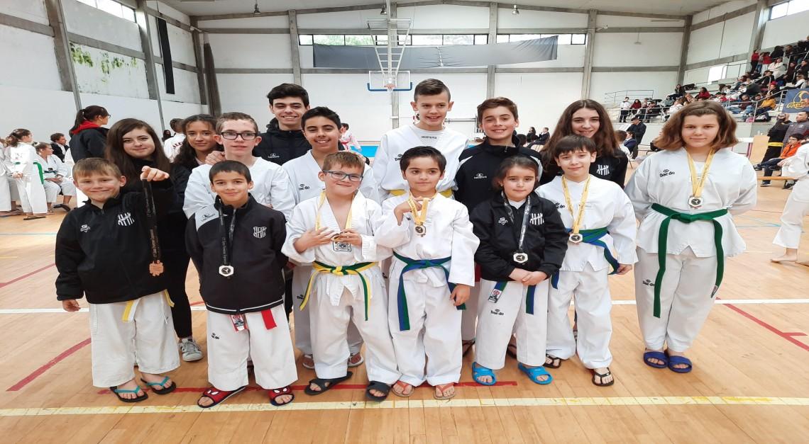 Taekwondo do GD Prado conquistou seis medalhas no XII Open de Esposende