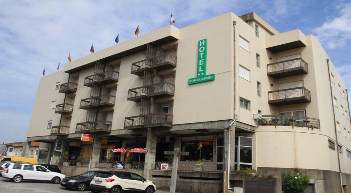 Vila de Prado. Hotel Bom Sucesso disponibiliza alojamento para profissionais de saúde