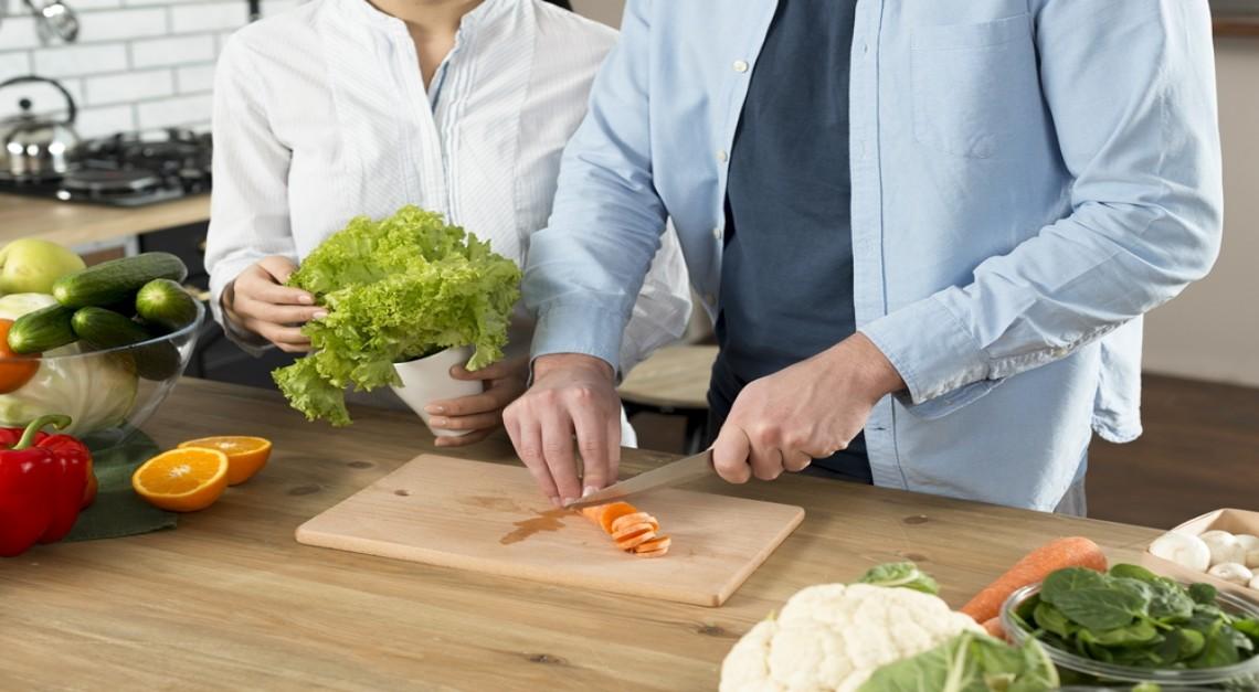 Isolamento social e alimentação. Mantenha-se saudável em casa