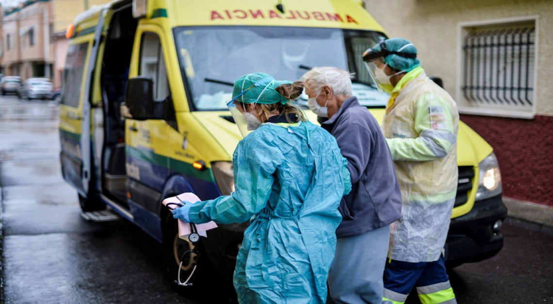 COVID-19. Desempregados e trabalhadores em lay-off podem integrar lares e hospitais
