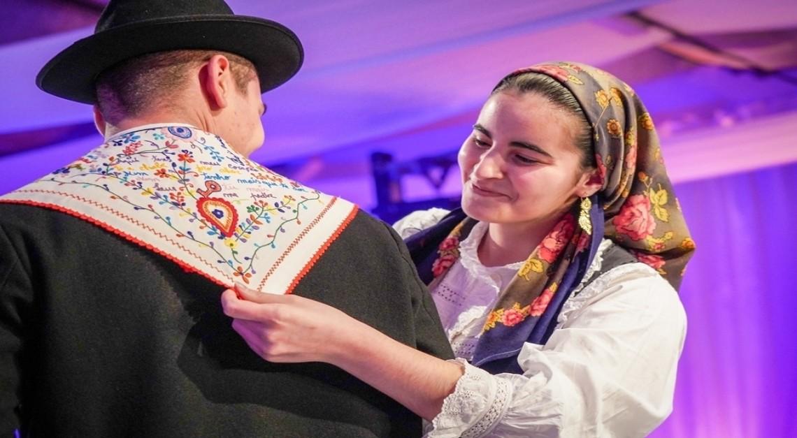 Lenços de Namorados na corrida para as 7 Maravilhas da Cultura Popular