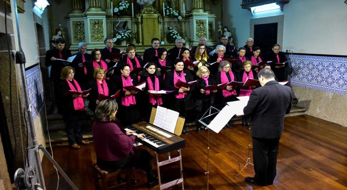 Concerto de Natal: Grupo Coral Assanes e Ensemble Cant'arte cantaram e encantaram na Igreja da Vila!